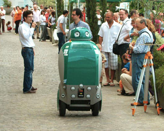 Visual of Recycling Robot Takes the Streets of Italy