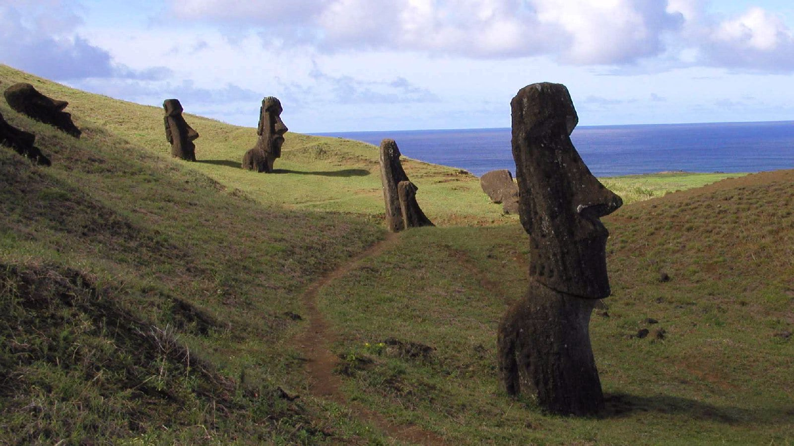 Visual of A More Interesting, More Depressing Theory of Easter Island's Downfall
