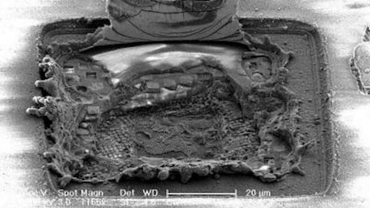 Visual of Microchips Learn to Repair Themselves