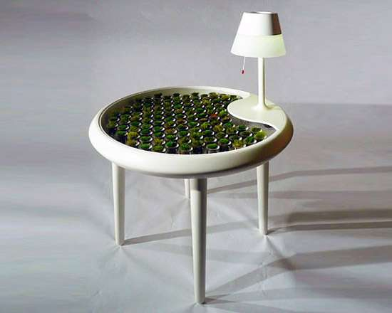 Visual of Moss Table Powers Its Own Lamp