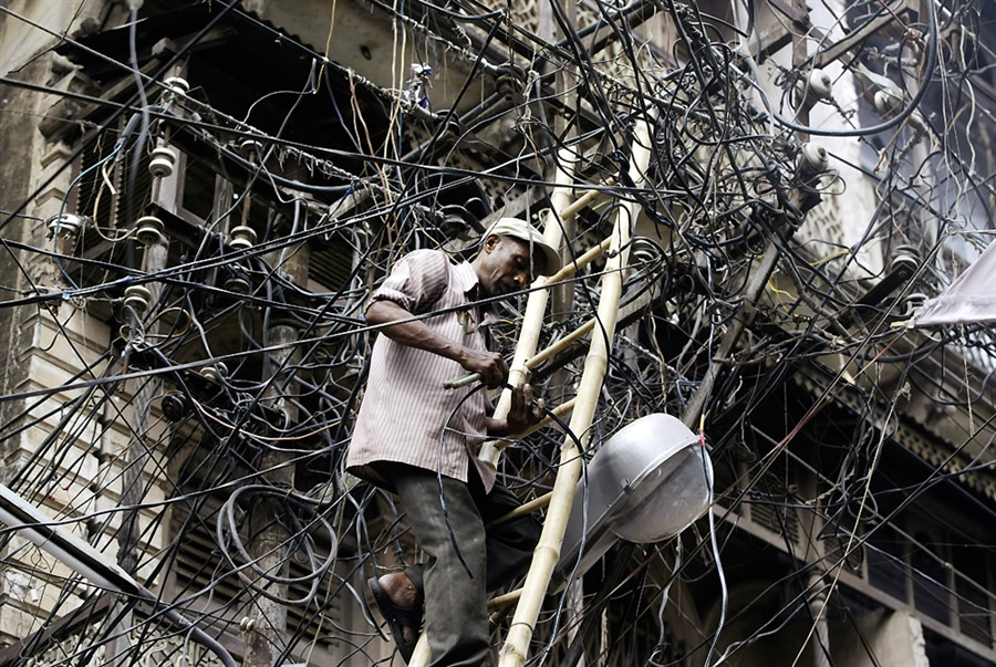 Visual of DIY Wire Networks In India