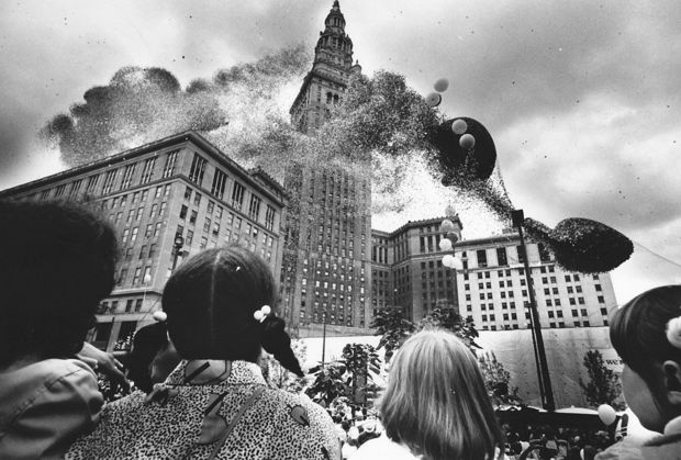 That Time Cleveland Released 1.5 Million Balloons and Chaos Ensued11