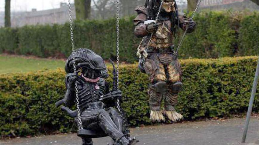 Visual of Predator VS Alien