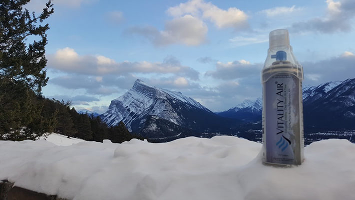 Visual of Canadians Sell Cans of Fresh Air to China