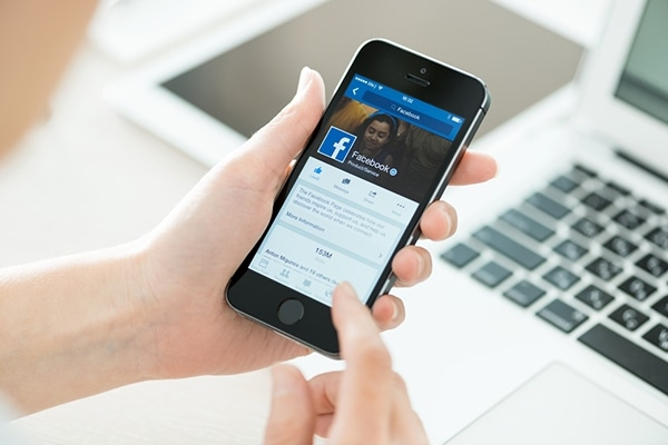 Visual of Facebook Provides a Suicide Prevention Tool