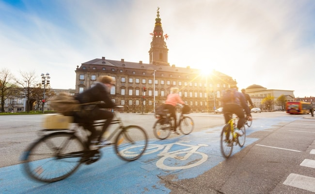 Visual of Fitness Trackers Help Improve Cycle Paths