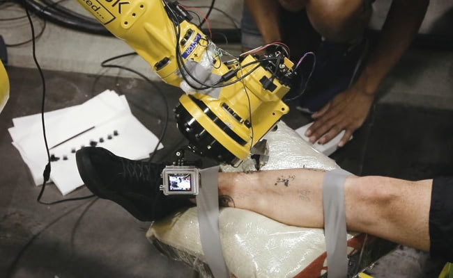 Visual of Are Robots the Future of Tattoos?
