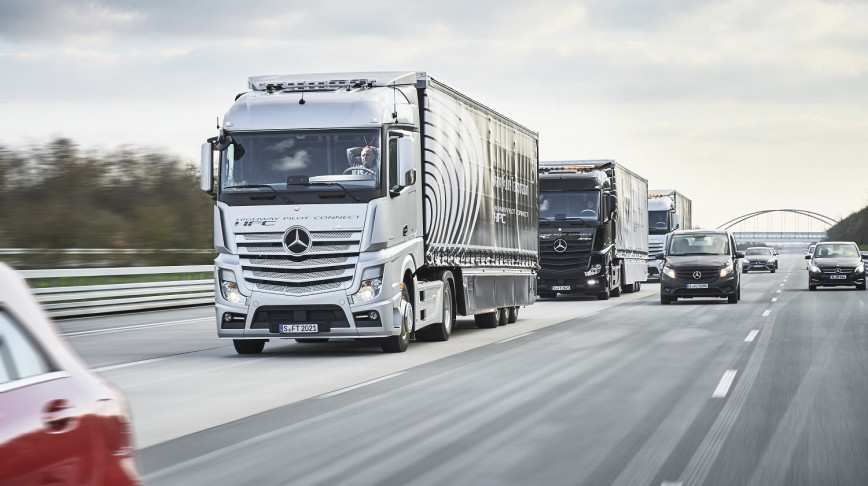 Visual of Self-Driving Trucks Hit the Highways