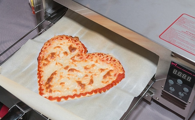 Visual of 3D Print Your Pizza in Six Minutes