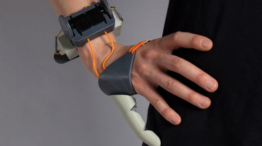 Visual of Add-on Body Parts: Bionic Thumb
