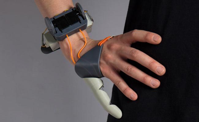 Visual of Add-on Body Parts: Bionic Thumb