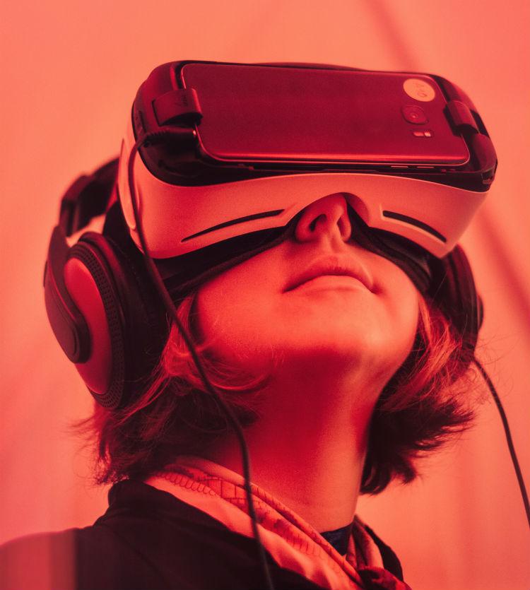 Visual of Virtual Networking, the Future Social Media