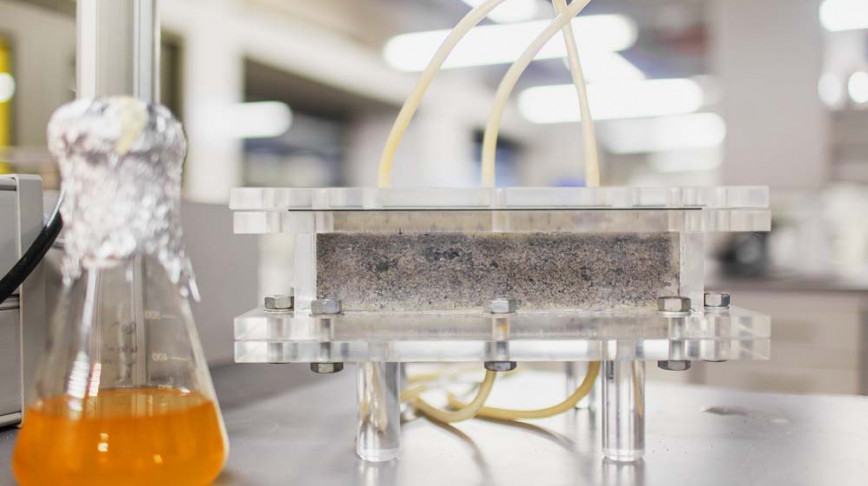 Visual of This bio-brick is made out of urine mixed with sand and bacteria