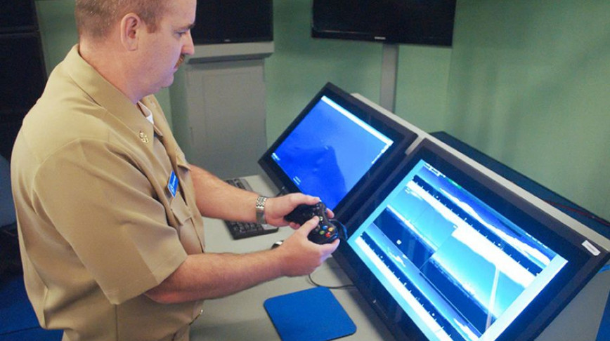 Visual of Games become jobs: Looking through the eye of the submarine with an X-Box controller