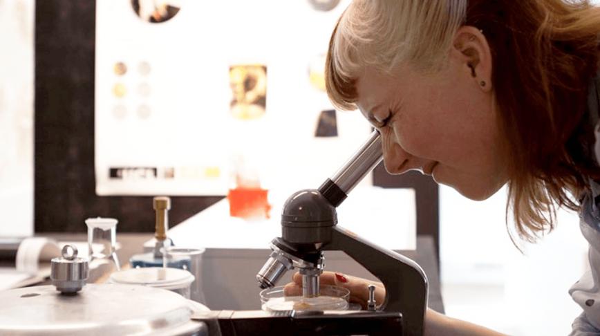 Visual of Lessons in bio design with Emma van der Leest