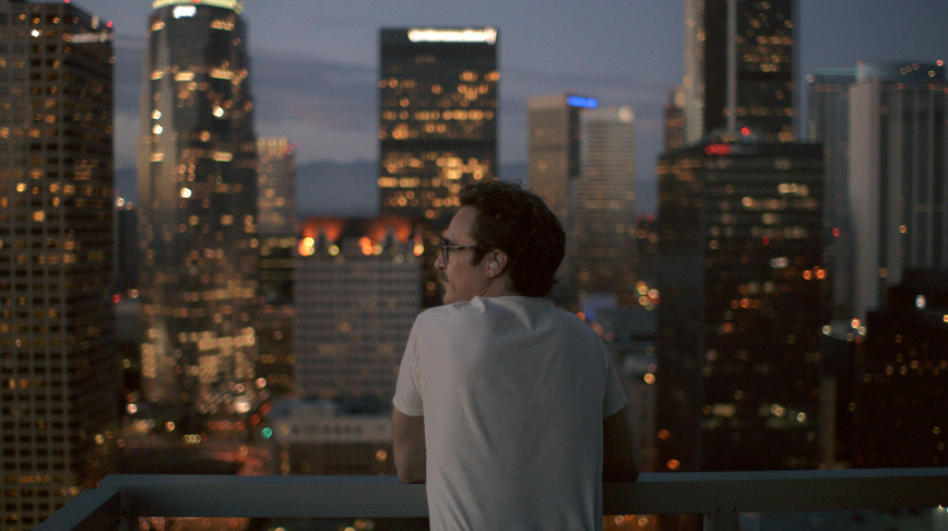 Visual of 'Her' is an outlook on a possible future—of dating a chatbot