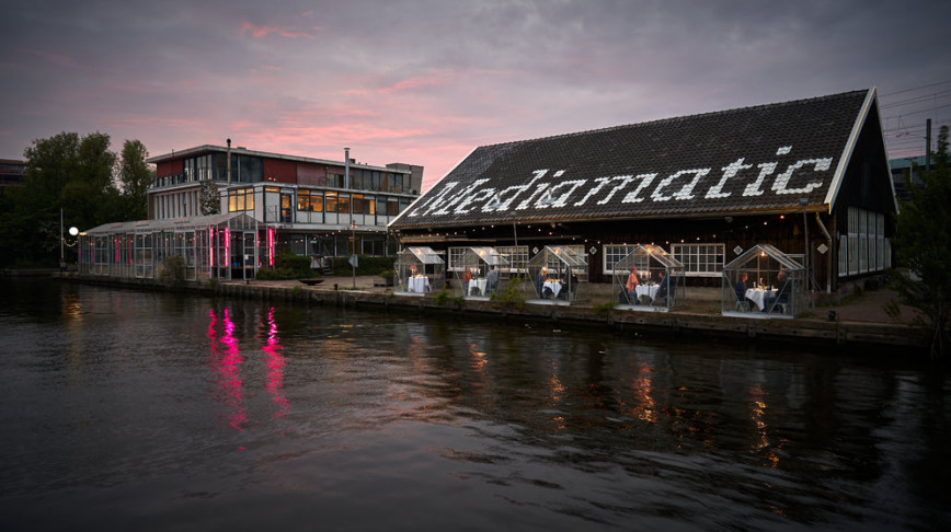 Visual of Mediamatic offers a quarantine-approved dinner date